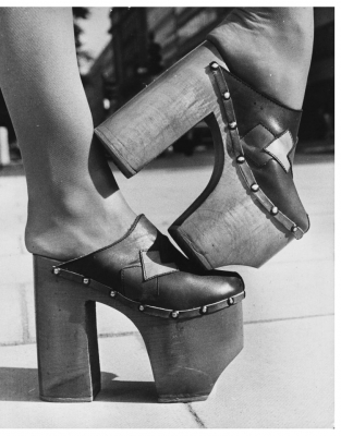 b2ap3_thumbnail_70s-shoes-1970s-fashion-08.jpg